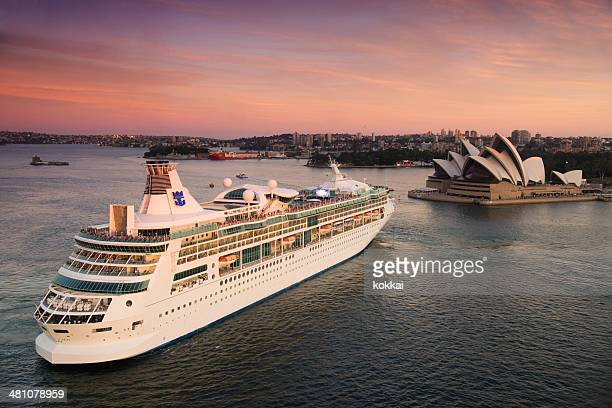 Rhapsody of the Seas leaves Sydney