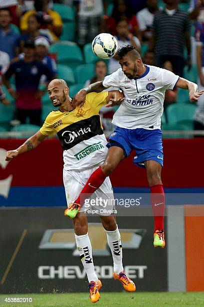 Rhayner of Bahia heads the ball clear during the match between Bahia and Criciuma as part of Brasileirao Series A 2014 at Arena Fonte Nova on August...