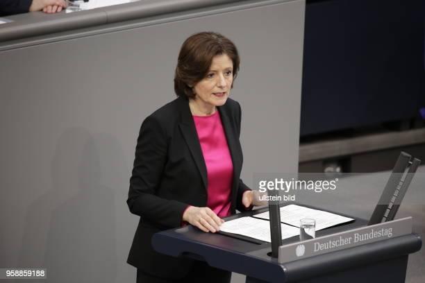 Rheinlandpfälzische Ministerpräsidentin Malu Dreyer Präsidentin des Bundesrates Deutschland Berlin Deutscher Bundestag Plenarsaal Vereidigung des...
