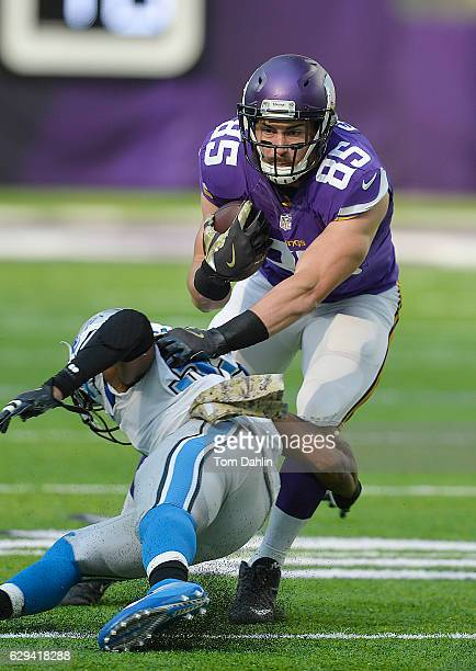 Rhett Ellison of the Minnesota Vikings carries the ball during an NFL game against the Detroit Lions at U.S. Bank Stadium November 6, 2016 in...