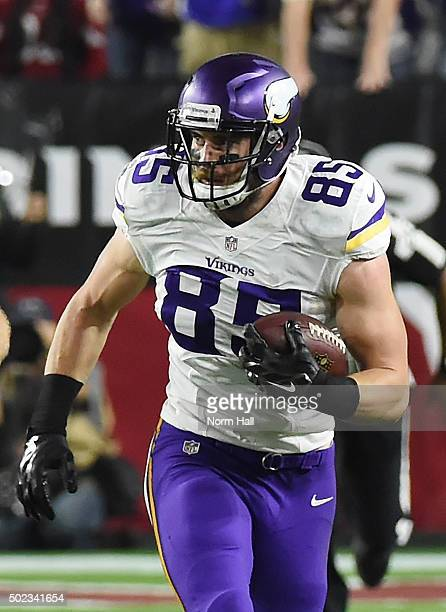 Rhett Ellison of the Minnesota Vikings runs with the ball against the Arizona Cardinals at University of Phoenix Stadium on December 10, 2015 in...