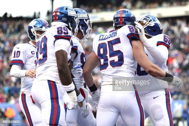Rhett Ellison of the New York Giants celebrates with his teammates after scoring a touchdown against the Dallas Cowboys during second quarter in the...