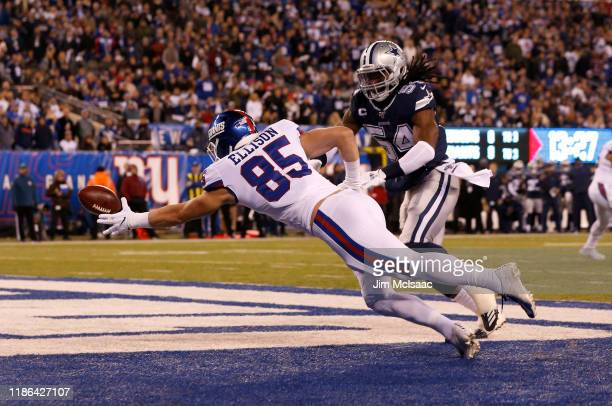 Rhett Ellison of the New York Giants in action against Jaylon Smith of the Dallas Cowboys at MetLife Stadium on November 04, 2019 in East Rutherford,...