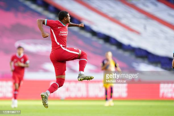 Rhian Brewster of Liverpool ties the score during the friendly match between FC Red Bull Salzburg and FC Liverpool at Red Bull Arena on August 25,...