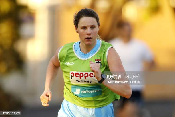 Rhiannon Watt of the Saints in action during the St Kilda training session at RSEA Park on October 14, 2021 in Melbourne, Australia.