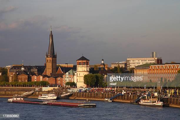 Rhein Panorama von der Altstadt von Düsseldorf