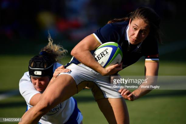 Rhona Lloyd of Scotland runs with the ball during the Scotland v Italy Rugby World Cup 2021 Europe Qualifying match at Stadio Sergio Lanfranchi on...