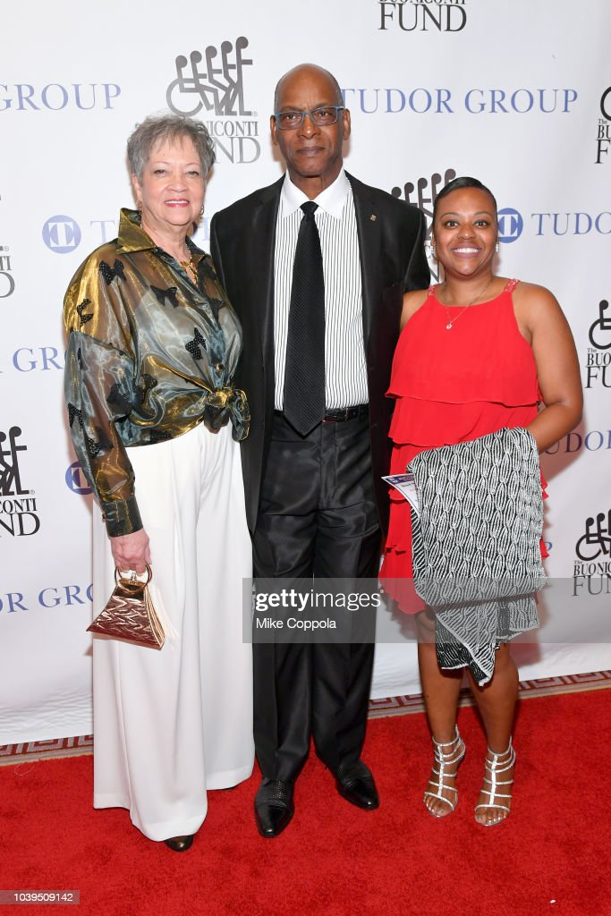 33rd Annual Great Sports Legends Dinner To Benefit The Buoniconti Fund To Cure Paralysis - Arrivals : News Photo