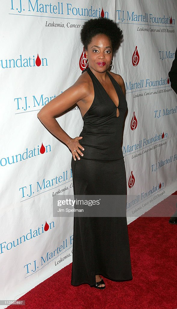 Rhonda Ross arrives at the 32nd Annual T.J. Martell Foundation Gala at the New York Hilton and Towers On October 23, 2007 in New York City.