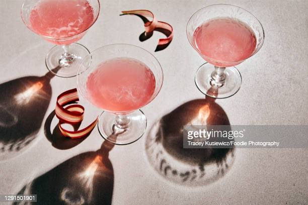 rhubark sparkling mocktail - cocktail party stock pictures, royalty-free photos & images
