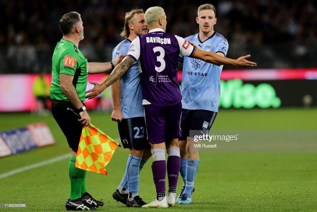 A-League Grand Final - Perth v Sydney : News Photo