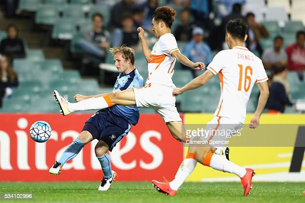 Rhyan Grant of Sydney FC kicks a goal during the AFC Asian Champions League match between Sydney FC and Shandong Luneng at Allianz Stadium on May 25...