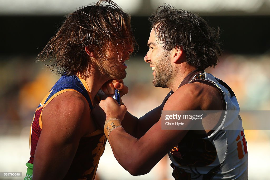 AFL Rd 10 - Brisbane v Hawthorn : News Photo