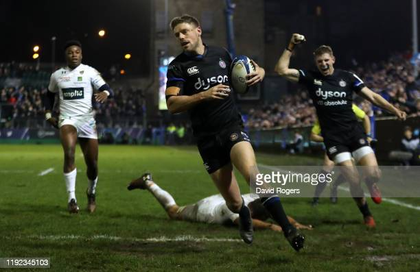 Rhys Priestland of Bath breaks clear to score the first try during the Heineken Champions Cup Round 3 match between Bath Rugby and ASM Clermont...