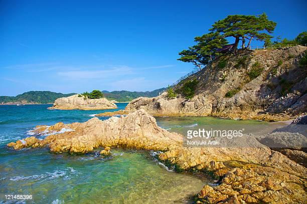 ria coast of japan - 鳥取県 無人 ストックフォトと画像