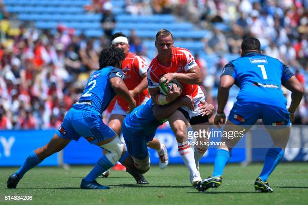 Riaan Viljoen of Sunwolves ryns with the ball during the Super Rugby match between the Sunwolves and the Blues at Prince Chichibu Stadium on July 15...
