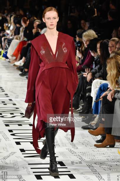 Rianne Van Rompaey walks the runway during the Stella McCartney show as part of the Paris Fashion Week Womenswear Fall/Winter 2019/2020 on March 04...