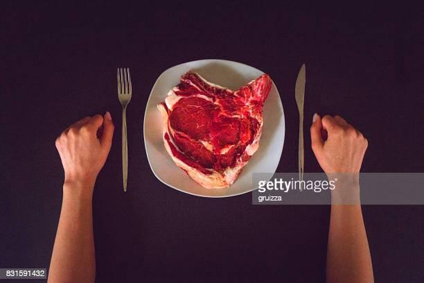 Rib eye steak de carne cruda