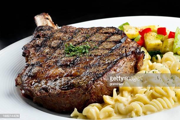 Rib Eye Steak with Macaroni and Cheese