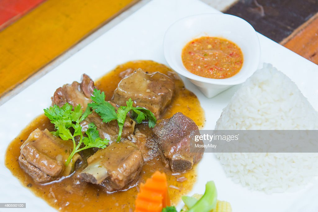 Costillas de cerdo con salsa de dulces y arroz : Foto de stock
