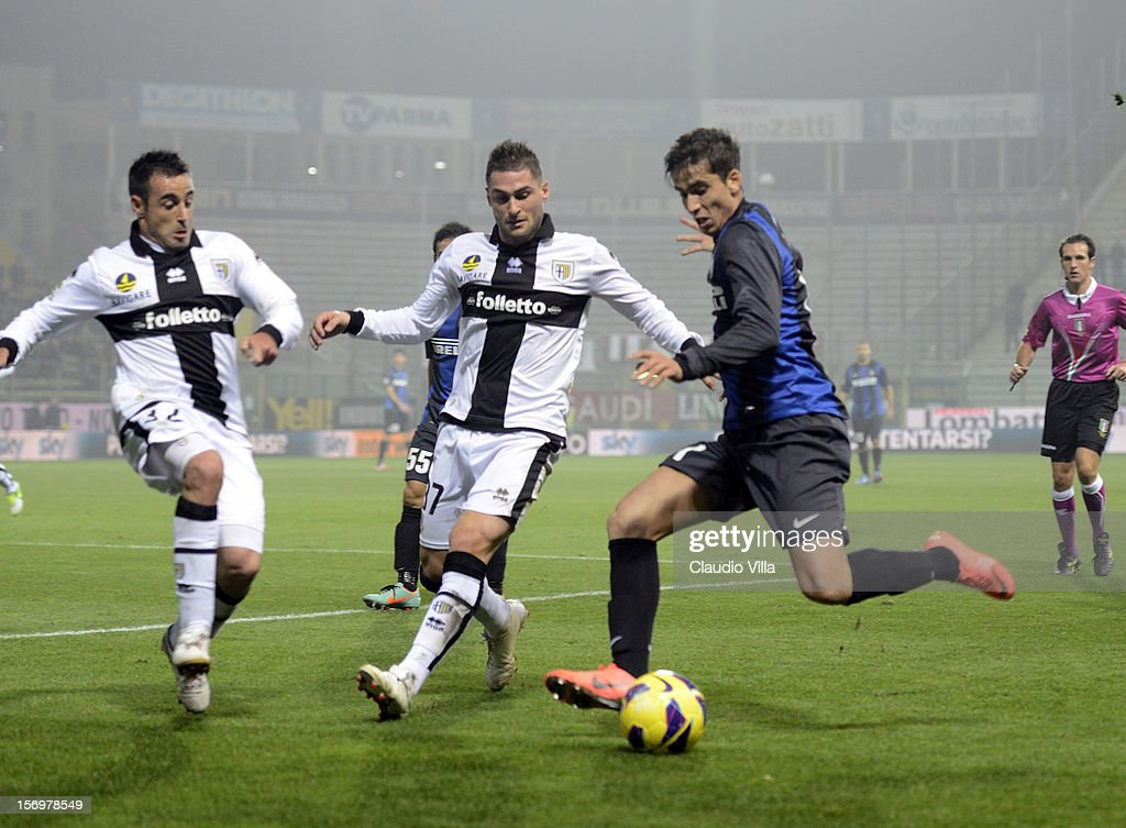 Ricardo Alvarez of FC Inter Milan (R) during the Serie A match between Parma FC and FC Internazionale Milano at Stadio Ennio Tardini on November 26, 2012 in Parma, Italy.