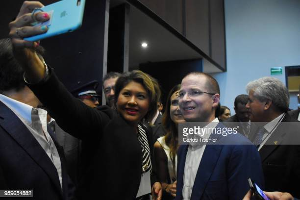 Ricardo Anaya 'Mexico al Frente' Coalition presidential candidate poses for a selfie with a supporter during a conference as part of the 'Dialogues...