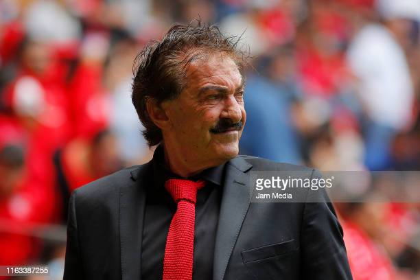 Ricardo Antonio La Volpe coach of Toluca looks on during the 1st round match between Toluca and Queretaro as part of the Torneo Apertura 2019 Liga MX...