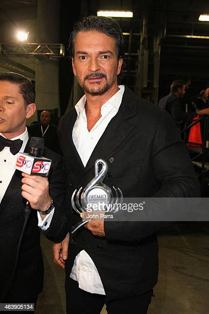Ricardo Arjona poses backstage at the 2015 Premios Lo Nuestros Awards at American Airlines Arena on February 19 2015 in Miami Florida