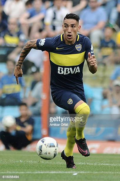 Ricardo Centurion of Boca Juniors drives the ball during a match between Boca Juniors and Sarmiento as part of Torneo Primera Division 2016/17 at...