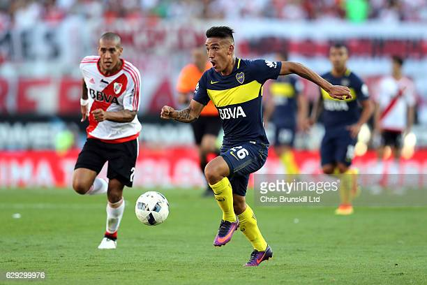 Ricardo Centurion of Boca Juniors in action during the Argentine Primera Division match between River Plate and Boca Juniors at the Estadio...