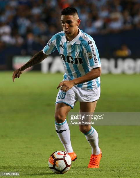 Ricardo Centurion of Racing drives the ball during a Group E match between Racing Club and Cruzeiro as part of Copa CONMEBOL Libertadores 2018 at...