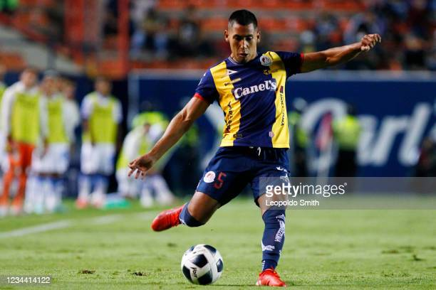 Ricardo Chavez of Atletico San Luis shoots during a second round match against Queretaro in the Torneo Grita Mexico A21 Liga MX at Estadio Alfonso...