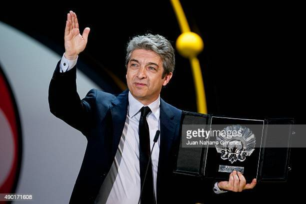 Ricardo Darin receives the Silver Shell for Best Actor for the film 'Truman' during the closing ceremony of 63rd San Sebastian Film Festival at...
