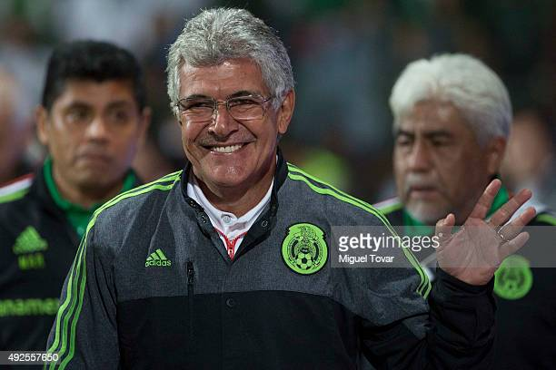 Ricardo Ferretti coach of Mexico gestures during the International Friendly match between Mexico and Panama at Nemesio Diez Stadium on October 13...