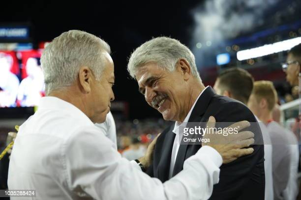 1376e5d72 Ricardo Ferretti coach of Mexico greet Dave Sarachan coach of United States  during an international friendly