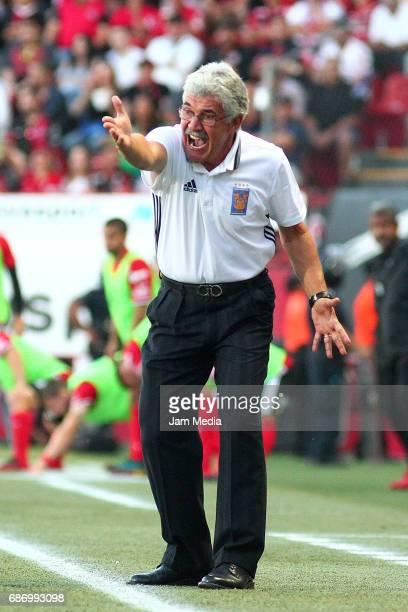 Ricardo Ferretti coach of Tigres gestures during the semi final second leg match between Tijuana and Tigres UANL as part of the Torneo Clausura 2017...
