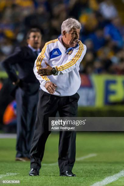 Ricardo Ferretti coach of Tigres gives instructions during the 8th round match between Tigres UANL and Atlas as part of the Torneo Clausura 2018 Liga...