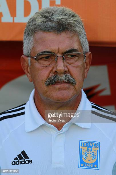 Ricardo Ferretti coach of Tigres looks on before a first leg final match between Tigres UANL and River Plate as part of Copa Bridgestone Libertadores...