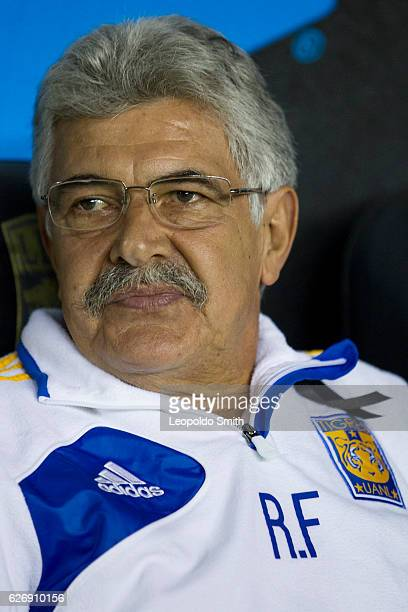 Ricardo Ferretti coach of Tigres looks on during the semifinals first leg match between Leon and Tigres UANL as part of the Torneo Apertura 2016 Liga...