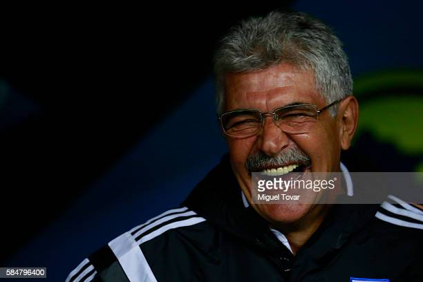 Ricardo Ferretti coach of Tigres reacts during the 3rd round match between America and Tigres UANL as part of the Torneo Apertura 2016 Liga MX at...