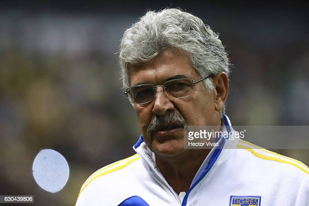 Ricardo Ferretti coach of Tigres walks towards the bench prior the Final first leg match between America and Tigres UANL as part of the Torneo...