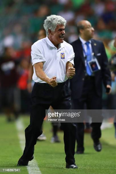 Ricardo Ferretti Head Coach of Tigres celebrates winning the championship after the final second leg match between Leon and Tigres UANL as part of...