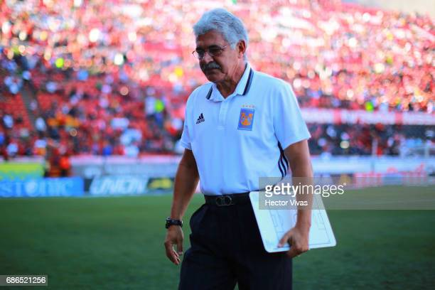 Ricardo Ferretti head coach of Tigres gestures during the semi final second leg match between Tijuana and Tigres UANL as part of the Torneo Clausura...