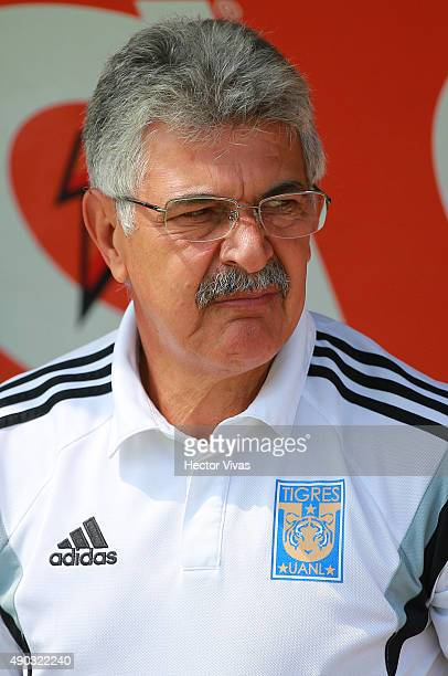Ricardo Ferretti head coach of Tigres looks on during a 10th round match between Pumas UNAM and Tigres UANL as part of the Apertura 2015 Liga MX at...