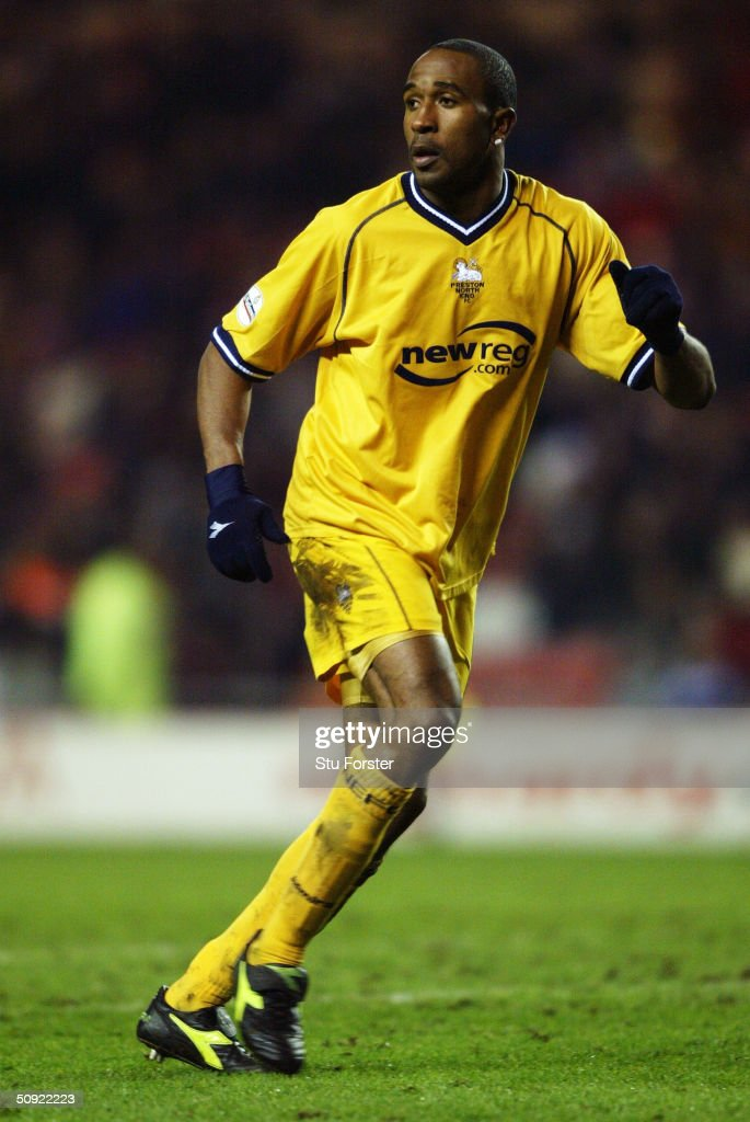 Ricardo Fuller of Preston North End... : News Photo