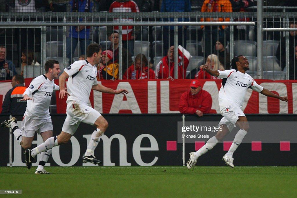 Bayern Munich v Bolton Wanderers -UEFA Cup : News Photo
