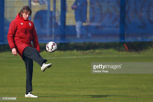 Ricardo Gareca coach of Peru during a training session at German Becker Stadium on June 23 2015 in Temuco Chile Peru will face Bolivia as part of...