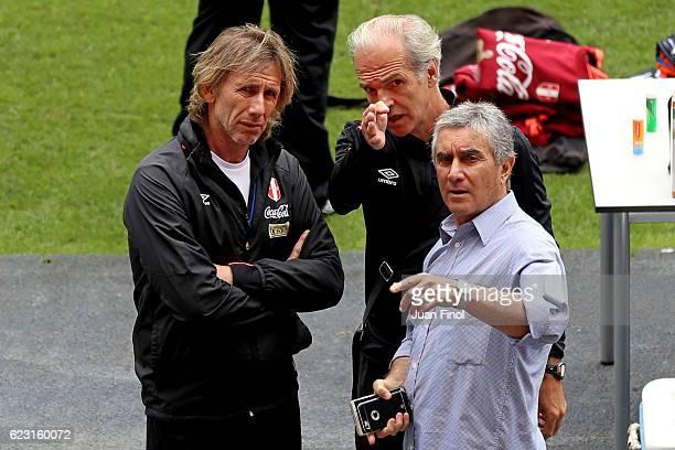 Ricardo Gareca coach of Peru looks on during a training session at Nacional Stadium on November 14 2016 in Lima Peru
