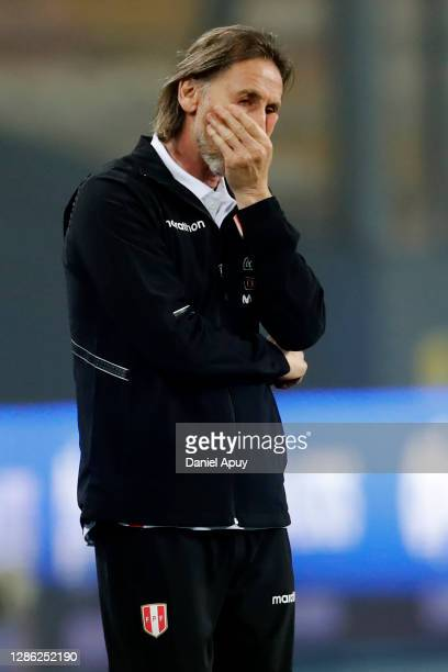 Ricardo Gareca head coach of Peru reacts during a match between Peru and Argentina as part of South American Qualifiers for World Cup FIFA Qatar 2022...