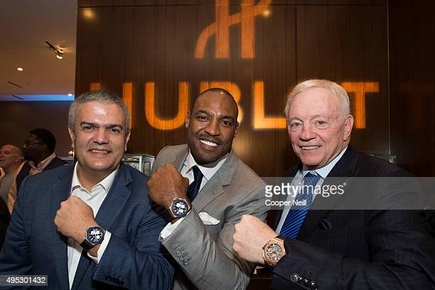 Ricardo Guadalupe Darren Woodson and Jerry Jones pose for a photo as Hublot unveils the Big Bang Dallas Cowboys timepieces at ATT Stadium on November...